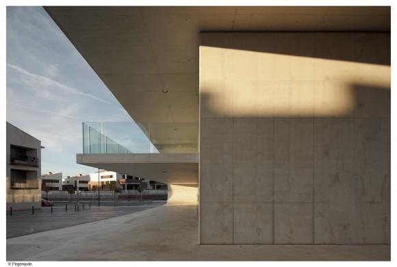 Edificio dotacional en Cordovilla